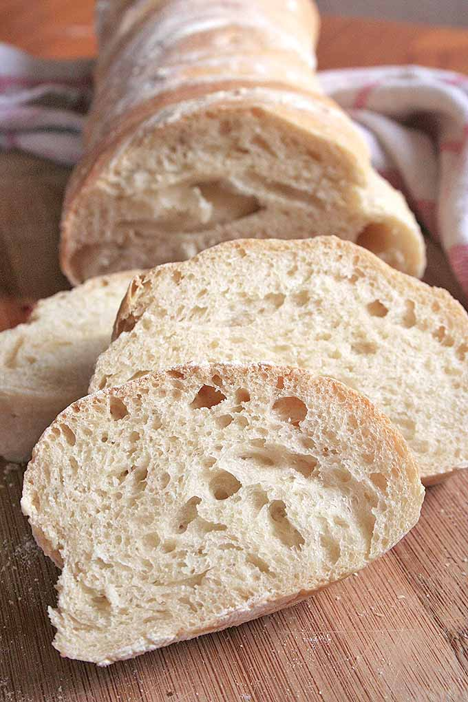With just a few ingredients, pain paillasse is a delicious bread that you can easily make in your home. We share the recipe: https://foodal.com/recipes/breads/pain-paillasse-the-best-rustic-bread-youll-ever-try/