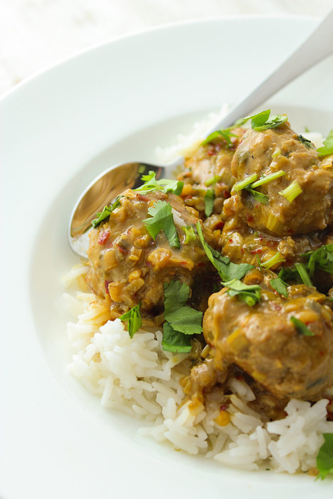 Looking to add more Thai cuisine to your cooking repertoire? Check out our round up of 15 delicious dishes that you can make at home, like these turkey meatballs with coconut curry sauce! Read more now: https://foodal.com/knowledge/paleo/thai-recipe-roundup/