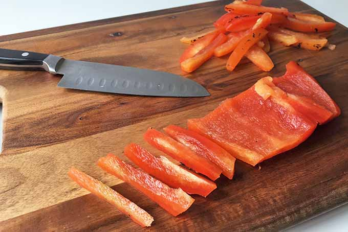 Slicing Red Peppers | Foodal.com