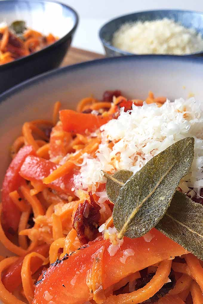 Do you long to eat healthy, but you just can't escape your love for pasta? Give these spiralized sweet potato noodles a try – served with roasted red peppers and sun-dried tomatoes, they will satisfy any carb craving! We share our recipe: https://foodal.com/recipes/veggies/spiralized-sweet-potato-noodles/