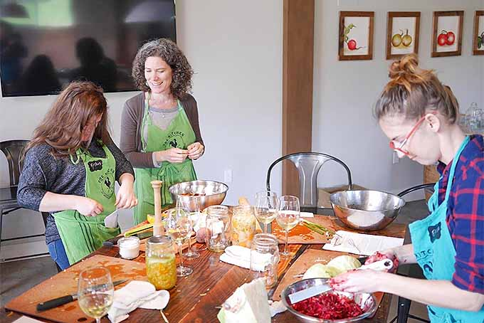 A cooking class hosted by Kirsten Shockey. | Foodal.com