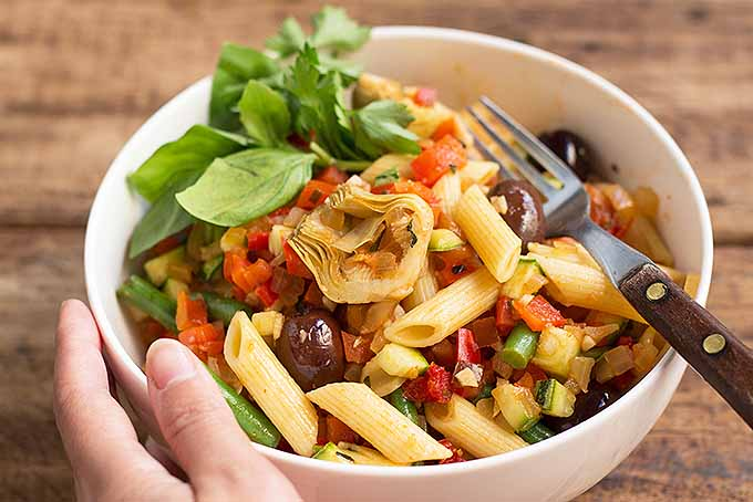 Sicilian Pasta Salad in a Bowl | Foodal.com