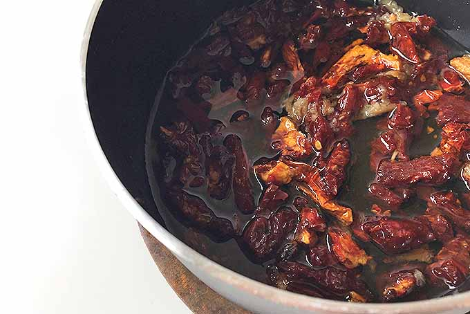 Sun-Dried Tomatoes in Olive Oil | Foodal.com