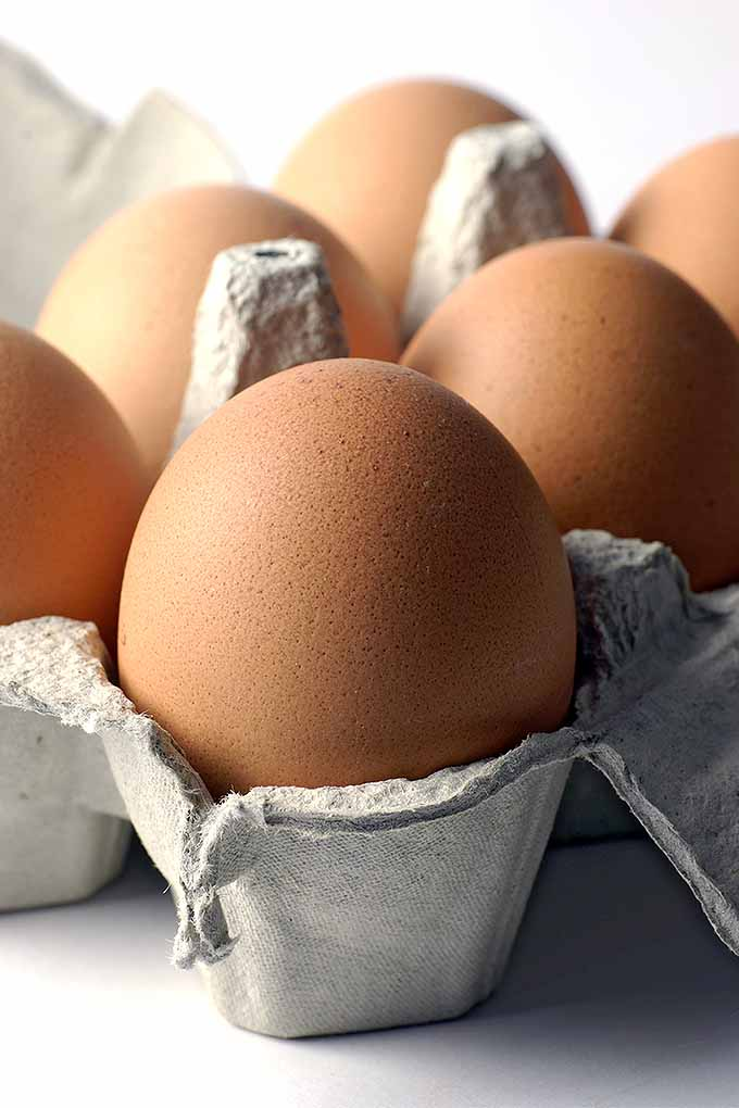 Learn how to eliminate eggs from your baking with these tips and recipes: https://foodal.com/knowledge/baking/egg-free-substitutes/