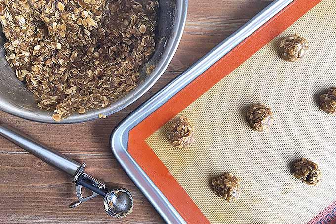 How to Make a Beautiful Dessert | Foodal.com