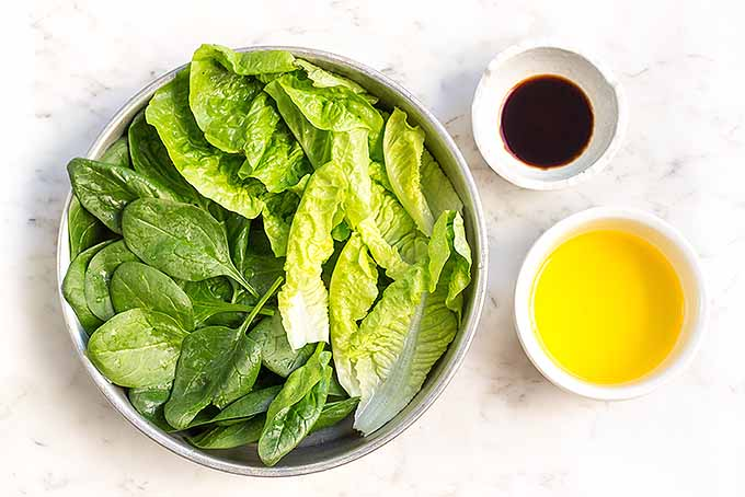 Spinach and Romaine Side Salad for Mustard Pork | Foodal.com