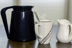 Thermal Vs. Glass Carafes: Which Is Better for Your Cup of Joe?