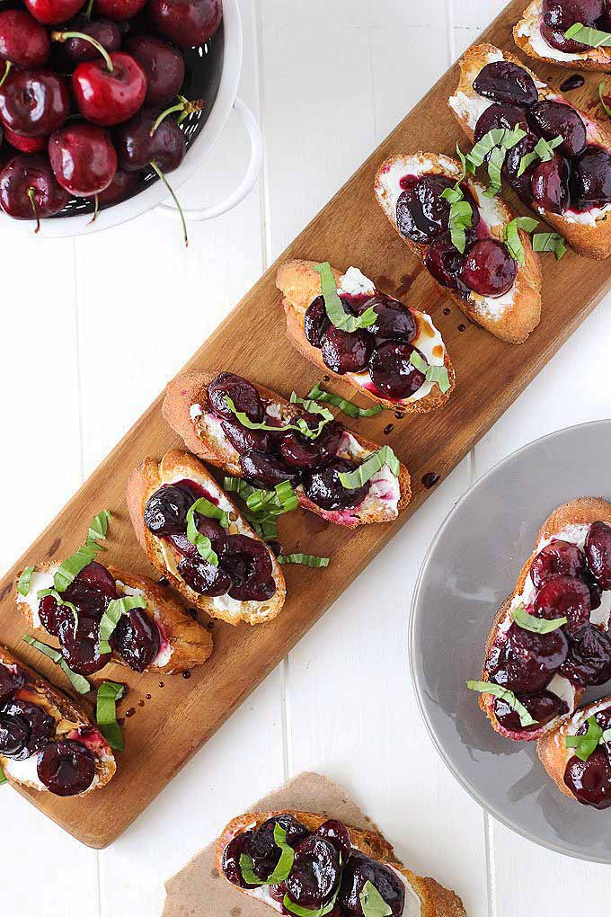 Throwing a New Year's Eve bash? Appetizers are a must! Check our our list of 67 of the best holiday finger foods now: https://foodal.com/holidays/christmas/finger-food-appetizer-round-up/