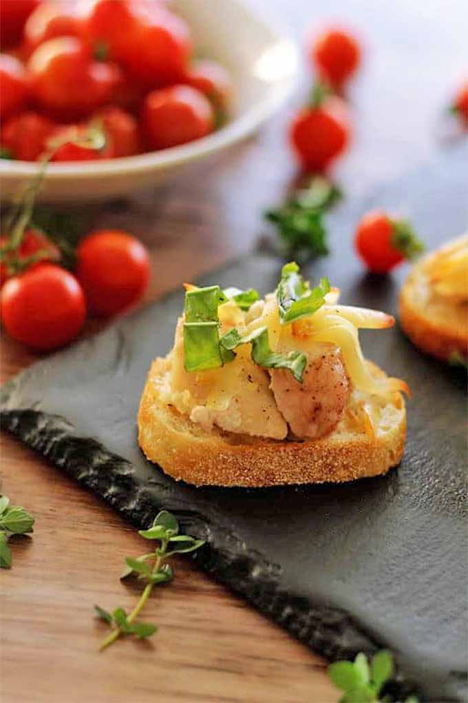 You don't have to know the difference between a crostini and a bruschetta to serve wonderful holiday appetizers. Check our out round up to take the guesswork out of preparing a delicious holiday party menu: https://foodal.com/holidays/christmas/finger-food-appetizer-round-up/
