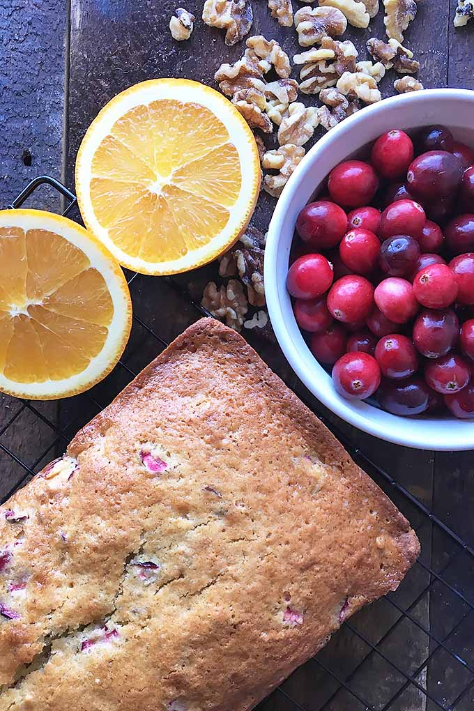 For all you sweet-and-tart lovers this holiday season, make our festive orange cranberry nut bread for that perfect combo of fun flavors! We share the recipe: https://foodal.com/holidays/christmas/cranberry-nut-bread-perfect-fall-time-treat/