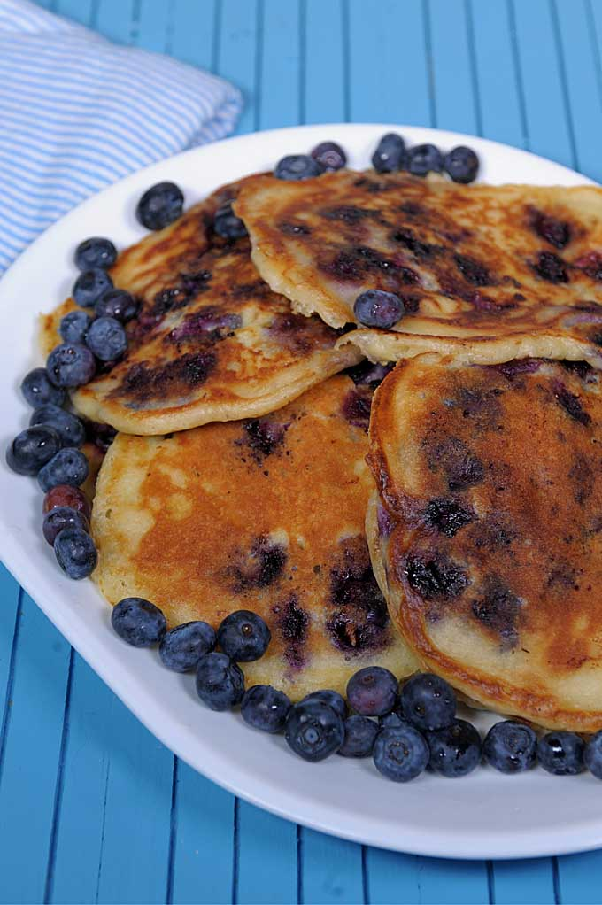 There's nothing better than blueberries and buttermilk pancakes. And when you combined them? Too die for! Get this easy to make recipe on Foodal now!