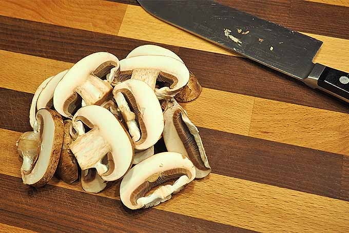 How to slice fresh mushrooms | Foodal.com