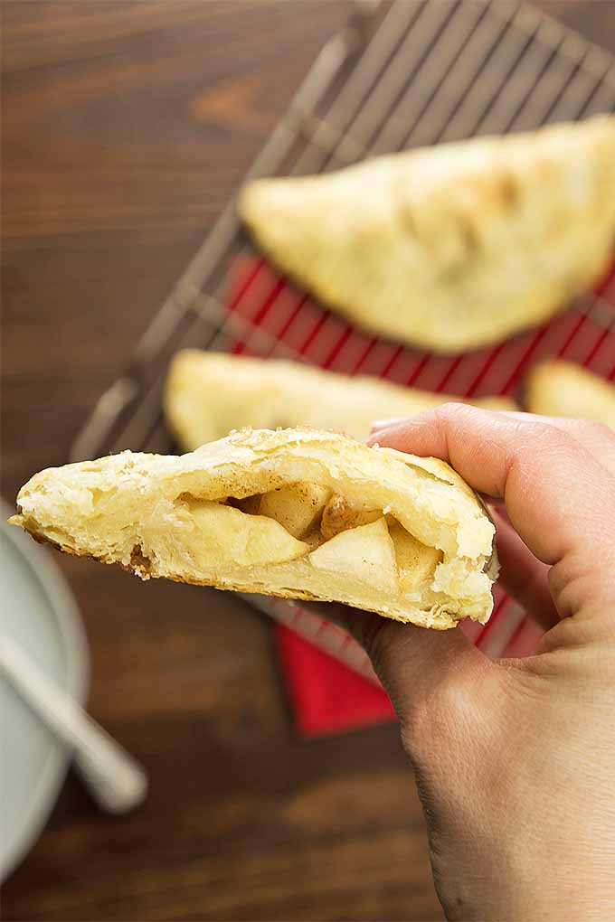 Bite into an apple hand pie. | Foodal.com