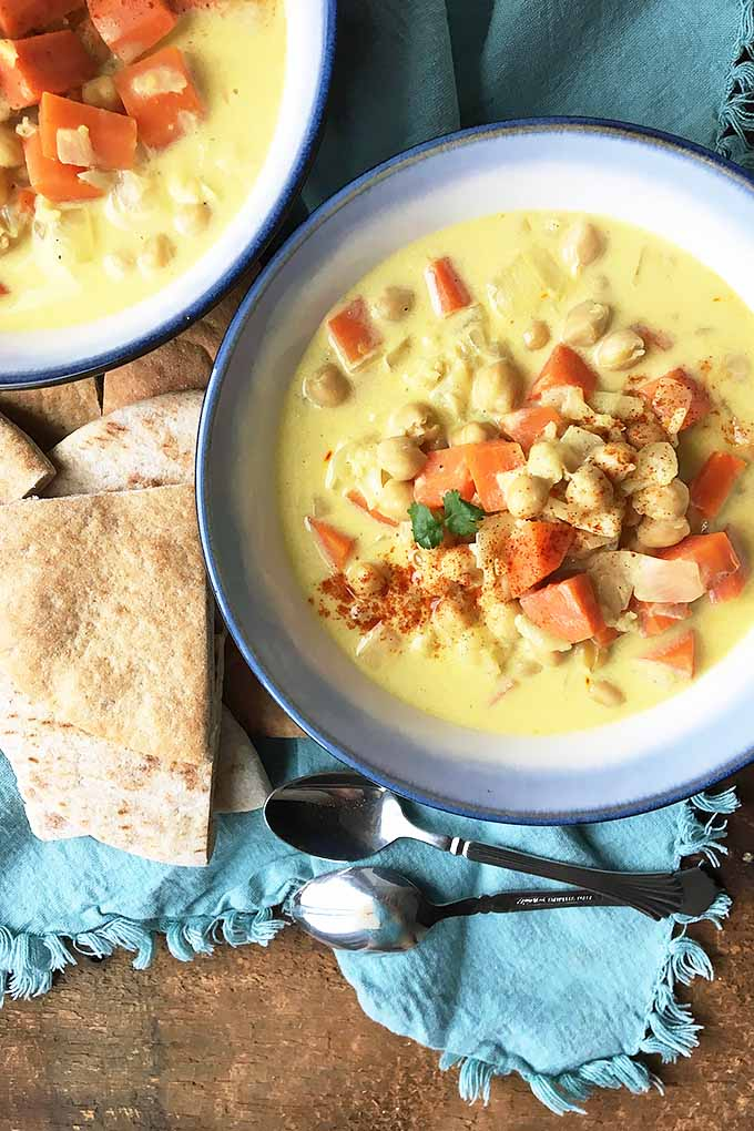 Do you love the flavors of saffron? Looking for a tasty way to use it in a vegetarian friendly dish? Try this creamy chickpea soup now. Find the recipe on Foodal.