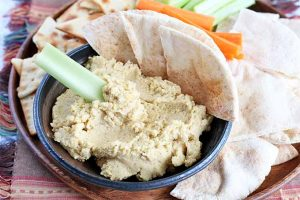 Roasted Garlic Hummus: A Classic Blend