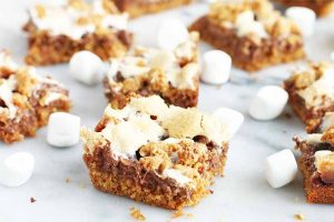 Bring the Campfire Inside with S'mores Bars