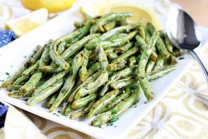 Simple Roasted Lemon Garlic Green Beans Are the Perfect Side Dish