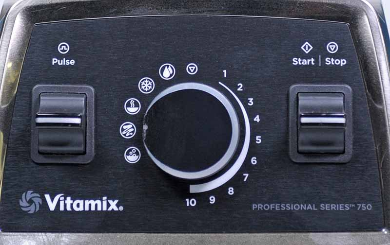 Close up of the control panel of the Vitamix 750