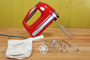 We Look at KitchenAid's Top of the Line Hand Mixer: The KHM926 9 Speed