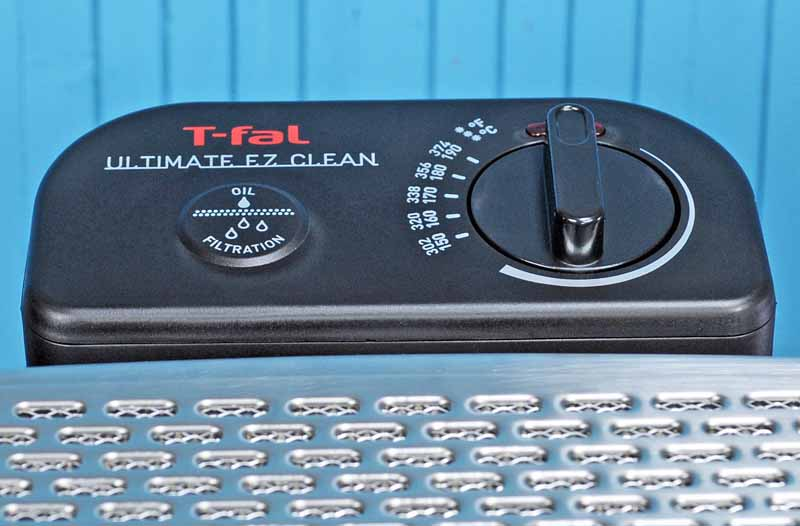 Close up of the temperature control dial on the T-Fal FR8000 EZ Clean.