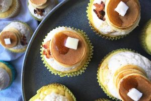 When Breakfast Becomes an Obsession, Make These Pancake Cupcakes with Maple Frosting & Bacon