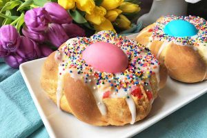 Celebrate Spring With A Traditional Italian Easter Egg Bread