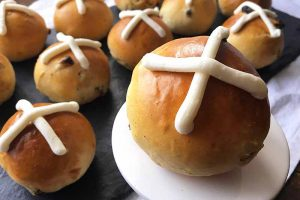 Hot Cross Buns: A British Easter Tradition