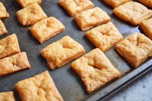 Homemade Cheese Crackers: Perfect for Snacking
