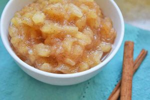 Easy Homemade Chunky Applesauce