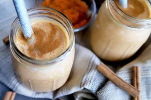 When You're Too Lazy To Bake, Make This Pumpkin Pie Smoothie Instead