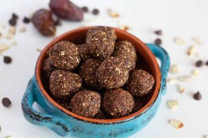 No-Bake Chocolate Energy Balls for Snacking