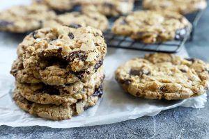 Spelt Walnut Dark Chocolate Chip Cookies (Vegan)
