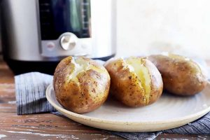How to Cook Baked Potatoes in the Electric Pressure Cooker