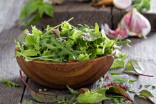 9 Good Reasons to Eat a Salad a Day | Foodal.com