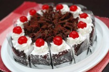 Black Forest Cake Recipe | Foodal.com