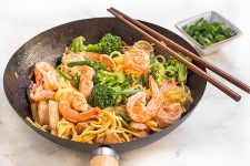 Enjoy a bowl of chicken and shrimp lo mein with assorted vegetables | Foodal.com