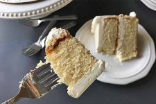 Learn how to make vanilla butter cake at home, and enjoy every bite | Foodal.com