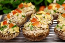 Lynnes stuffed mushrooms | Foodal.com
