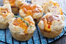 Mini Quiche with Puff Pastry and Cheese | Foodal.com