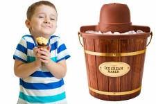 Nostalgia Electrics ICMW400 – 4 Quart Wooden Bucket Electric Ice Cream Maker Review | Foodal.com