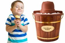 Nostalgia Electrics ICMW400 – 4 Quart Wooden Bucket Electric Ice Cream Maker Review | Foodal.com