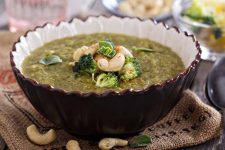 Roasted Broccoli Soup with Cashews | Foodal.com