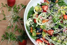 Spiralized Spring Salad | Foodal.com