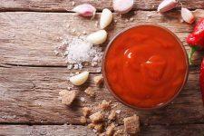 Sriracha is a foodie cult-favorite condiment | Foodal.com