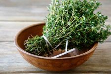 How to use Thyme   Foodal.com