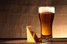 Beer and Cheese Pairing Cover| Foodal.com