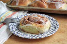 Brioche Cinnamon Rolls   Foodal.com