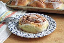 Brioche Cinnamon Rolls | Foodal.com