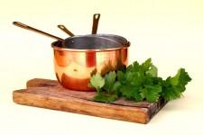 cast iron vs copper cookware