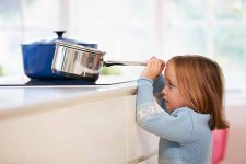 Avoid Slip-Ups with Our Top Ten Tips for Kitchen Safety | Foodal.com